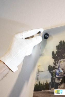 Mettre le cache visse sur les supports à acrylique