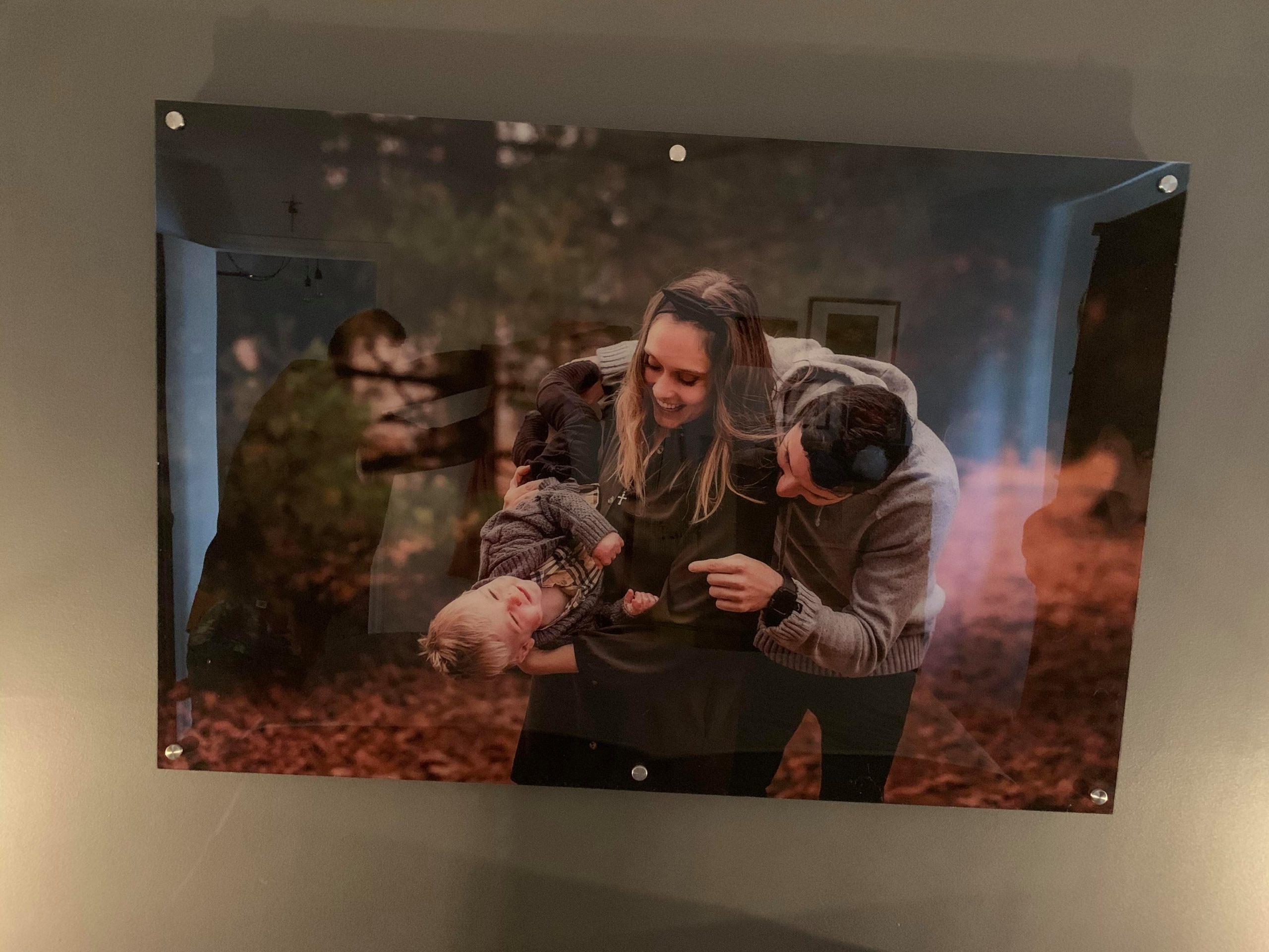 Photo de famille imprimée sur cadre d'acrylique