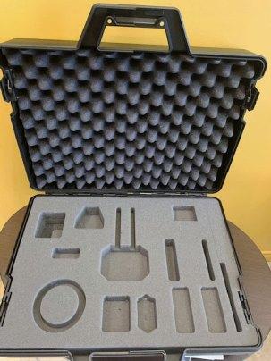Découpe 3D à la CNC de mousse pour une valise de démonstation d'outils