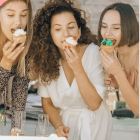 How to Host the Ultimate Virtual Dinner Party in 2021