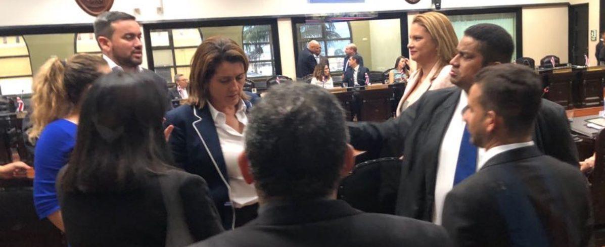 Diputados presentan consulta de plan fiscal a la sala iv for Plan de la sala de 40m2