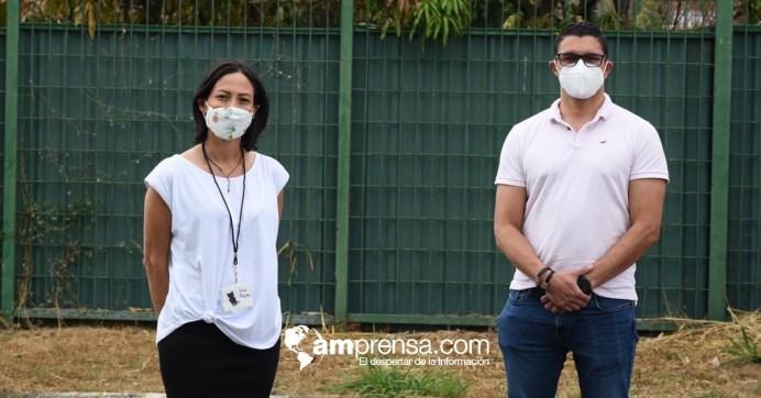 Julia Rojas, fundadora de Catrix, junto al ministro Daniel Salas. Foto cortesía para AM Prensa