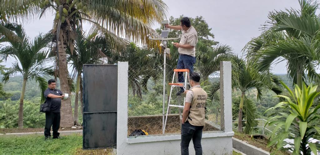 Mantenimiento a Estaciones Meteorológicas.