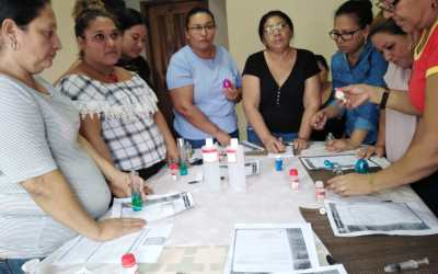 Mejorando la calidad de vida de las féminas del municipio, impartimos taller en Sector Carretero.