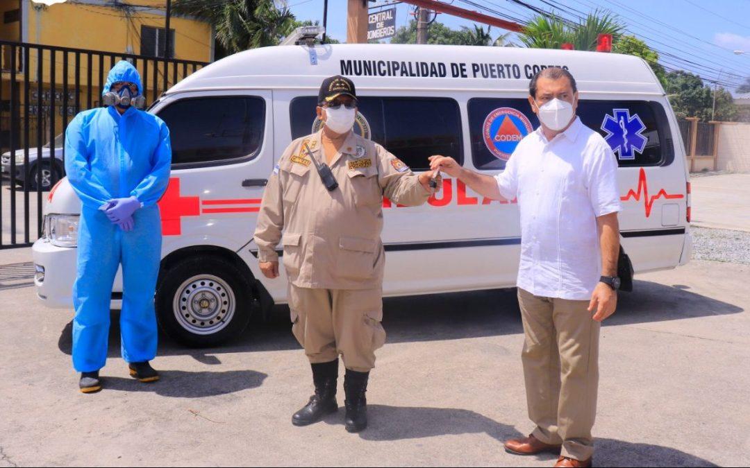 Hicimos entrega de Ambulancia al Cuerpo de Bomberos, valorada en L.925,000.00.
