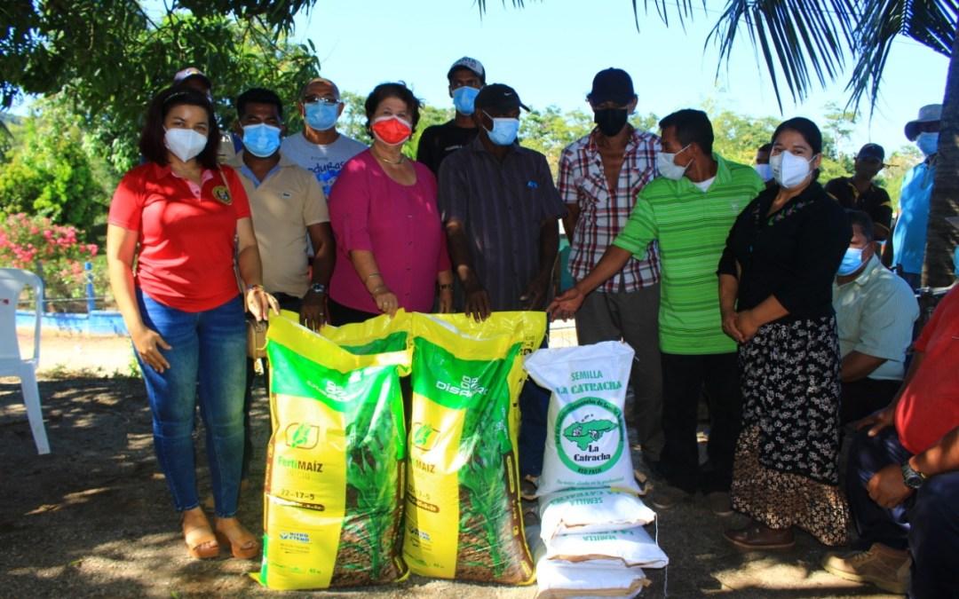 Productores beneficiados con dotación de semillas, fertilizantes y alimentos balanceados