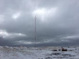 Mât de mesure de vent, Dune du nord, Îles-de-la-Madeleine. Crédit: Lucie d'Amours