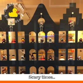 Halloween Amsterdam Duck Store