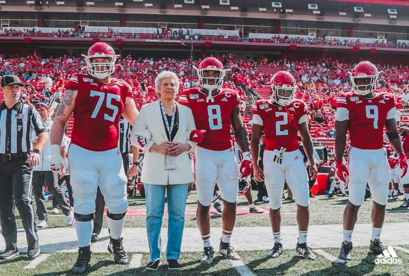 Susan Robeson with Rutgers University football players (285188)