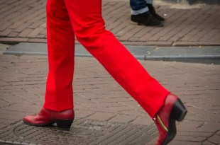 red Dutch pants