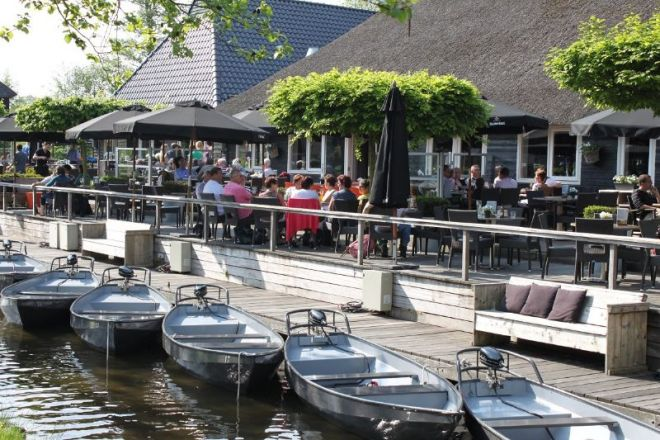 1_restaurant_de_grachthof_toerbootjes