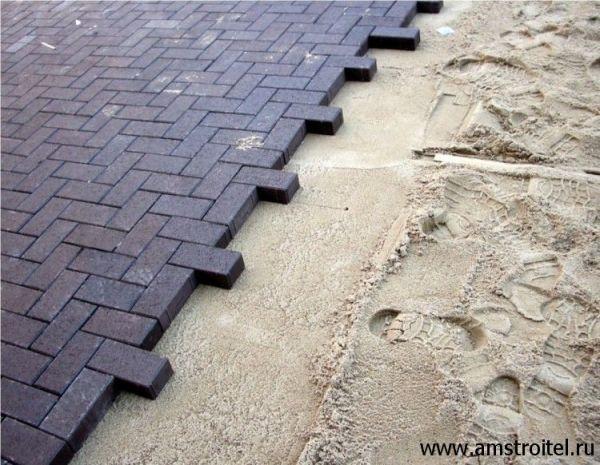 Укладка тротуарной плитки на песок - технология