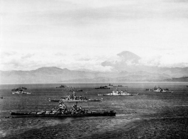 Allied_battleships_in_Sagami_Bay_28_Aug_1945