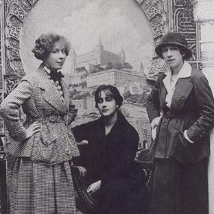 Мари Лорансен, Сесилия де Мадразо и Николь Грульт, около 1915
