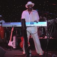 Kirk Green performing 2