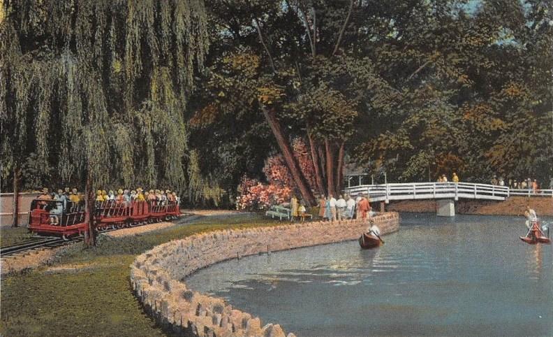 1940 circa Minature Railroad and Lake