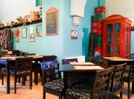 Having lunch in a cosy bistrot is a must in Bucarest.