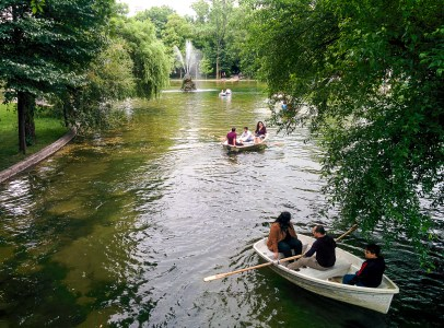 The beautiful Cişmigiu Park.