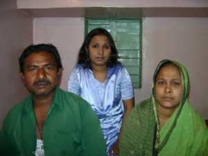 Shabera and her family, by Katie Basbagill  Shabera Khatun, Story from Dhaka Dsc09935