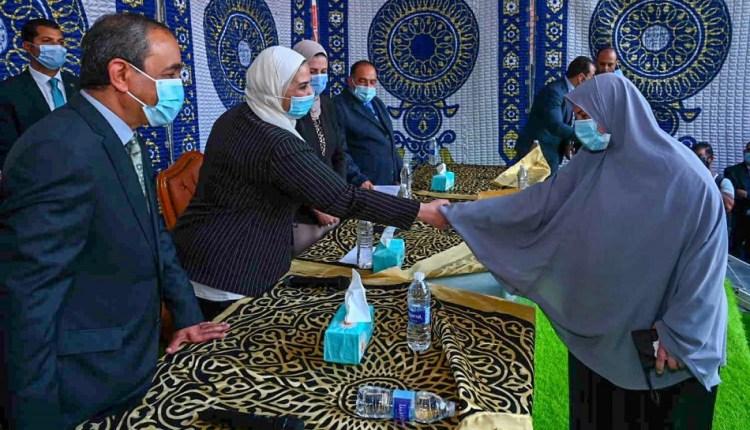 وزيرة التضامن تدشن مبادرتي «شتاء دافيء» و«أنا واليتيم» من الإسماعيلية