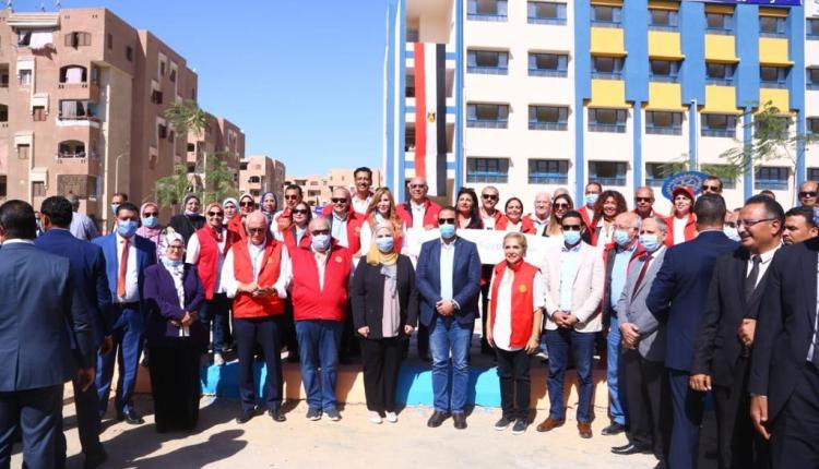 """وزيرة التضامن تفتتح مدرسة """"روتاري مصر الرسمية للغات"""" بالفيوم"""