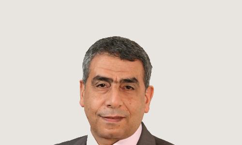 حسني مشرف رئيس اللجنة العامة للتأمين البحري بضائع