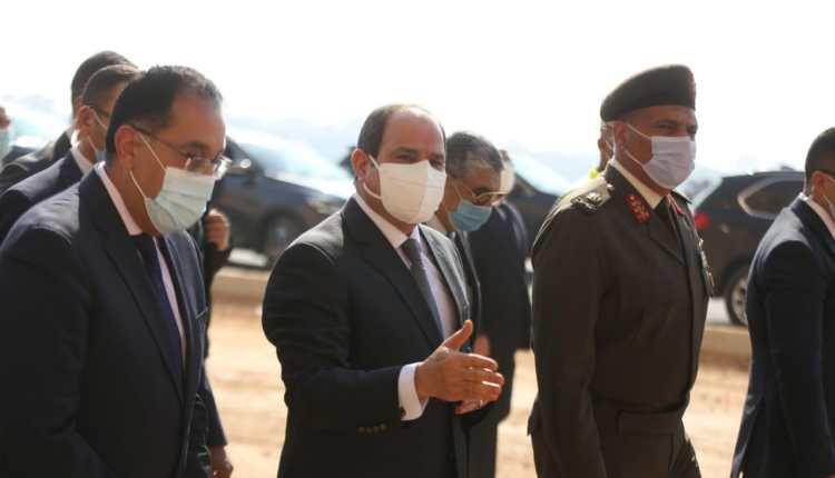 الرئيس السيسي يتفقد منطقة عزبة الهجانة