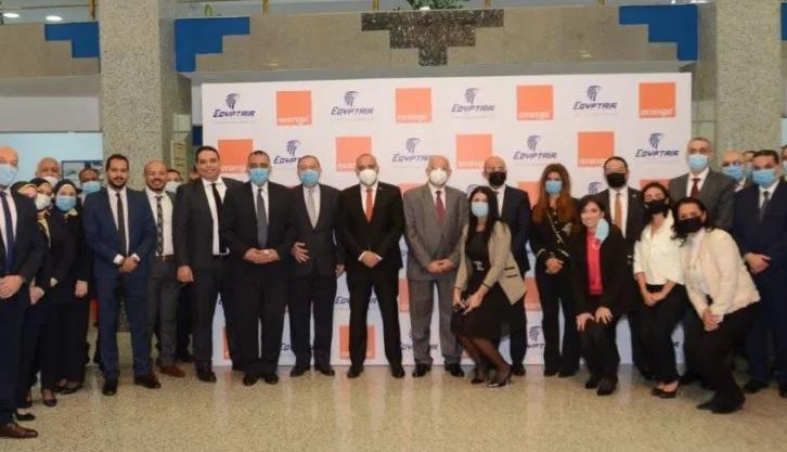 عقد تعاون بين مصر للطيران وأورنج مصر