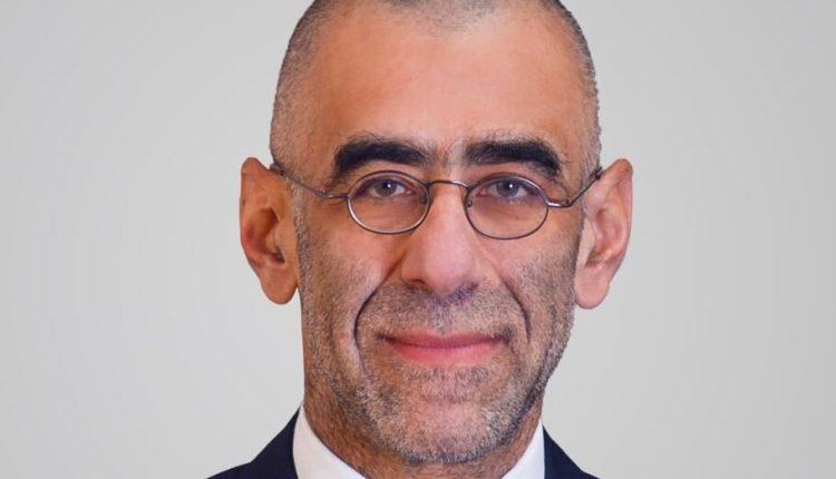 حسين أباظة رئيس البنك التجاري الدولي مصر