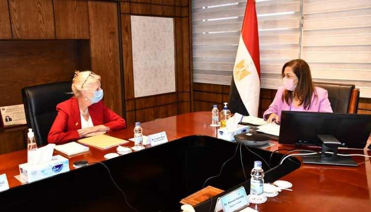 وزيرة التخطيط خلال لقاء صندوق الامم المتحدة للسكان