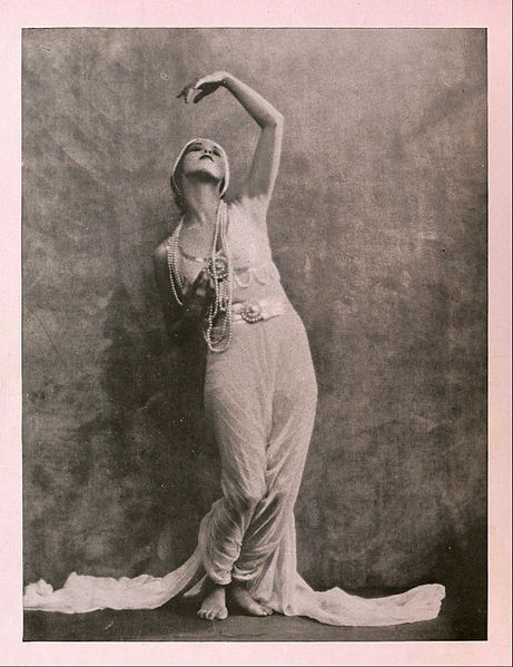 Martha_Graham_by_Nickolas_Muray