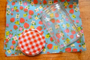 how to brighten jam jar lids