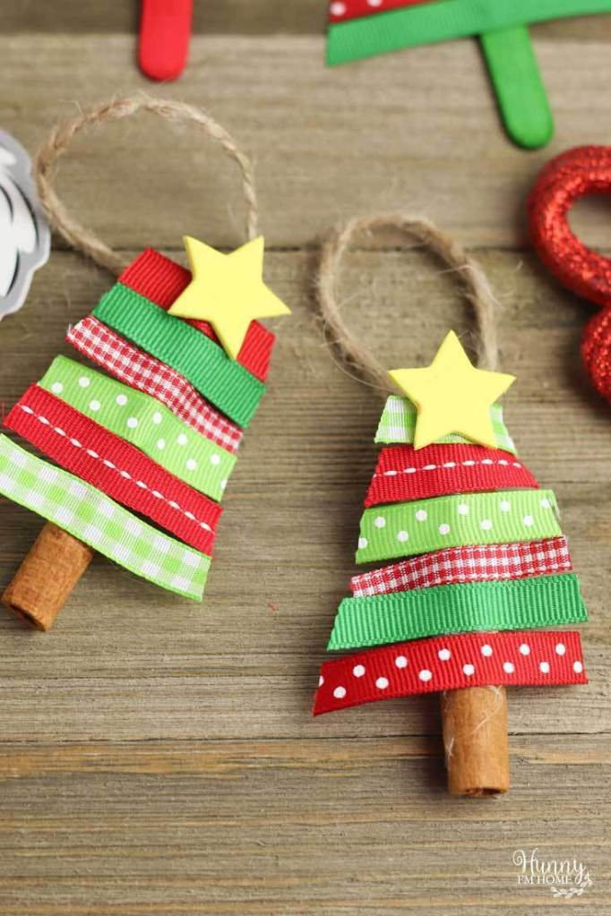 Christmas tree cinnamon stick ornaments. DIY Christmas ornaments for toddlers.