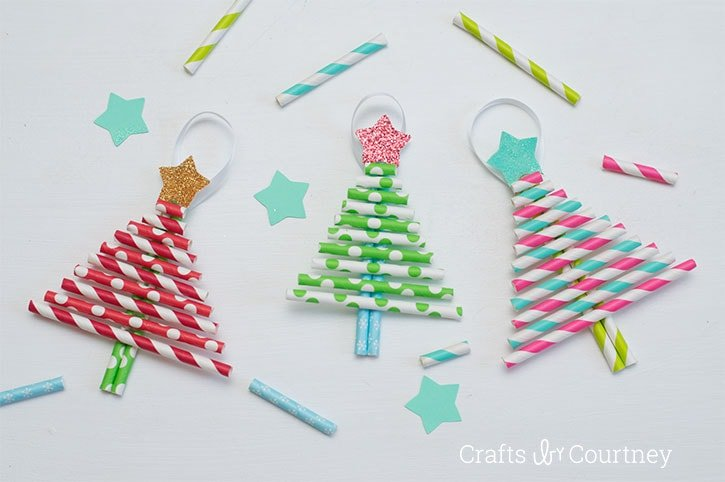 Paper straw Christmas tree ornaments! DIY Christmas ornaments for toddlers.