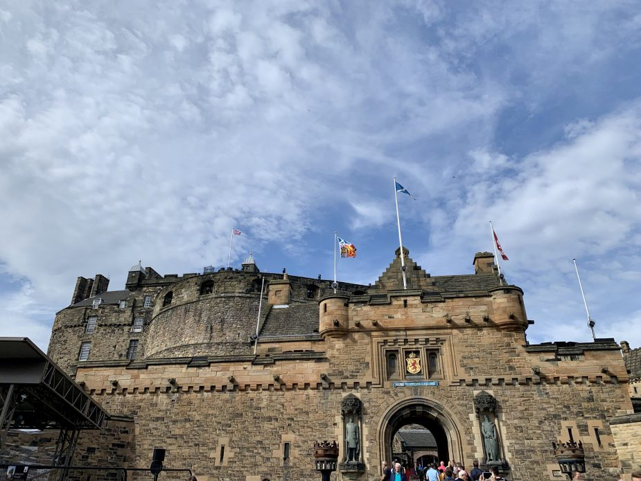 Check out these top things to do in Edinburgh, Scotland with kids!