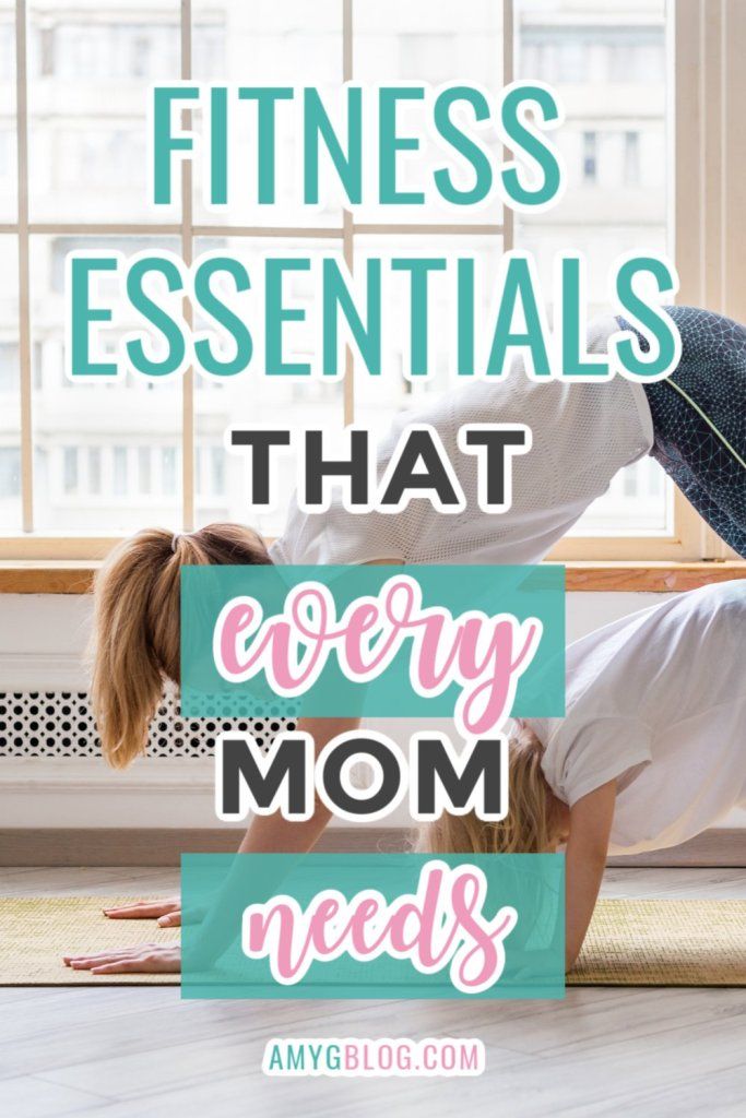 These mom fitness essentials are everything moms need to get in the zone! Check out this list of items to include in your gym bag and tips to energizing your workout! #fitnessessentialsformom #fitnessmusthaves #gymbagessentials #whatsinmygymbag