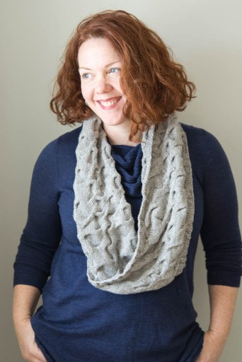 shibui-cabled-cowl-modeled-3