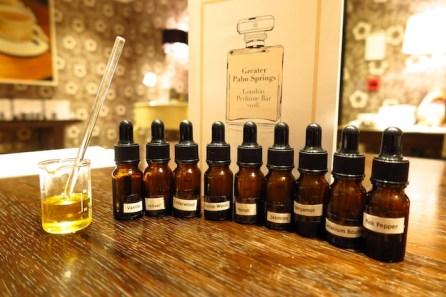 essential-oils-line-up_3844