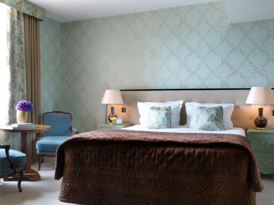 A Deluxe Room at The Kensington. Courtesy The Kensington, The Doyle Collection.