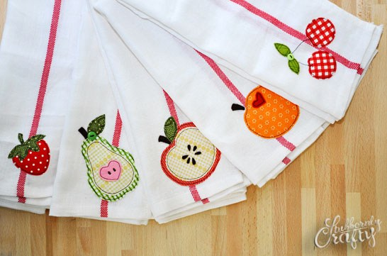 fruit-applique-main