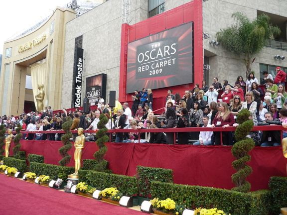 "The red carpet rolled out in front of the Kodak Theatre (now the Dolby Theatre) for the 2009 Academy Awards. Flickr photo by  Greg Hernandez (""Greg in Hollywood"")"
