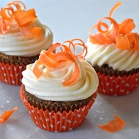 Carrot Cake Cupcakes With Candied Carrot Curls