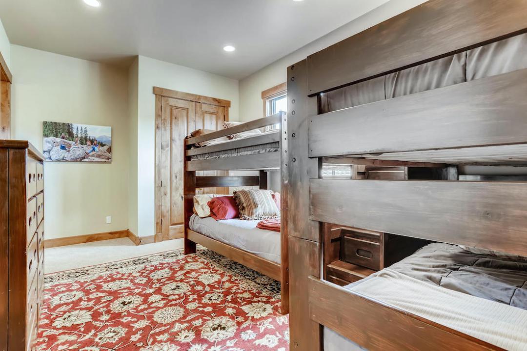 312 Shores Breckenridge CO 2nd Floor Bedroom