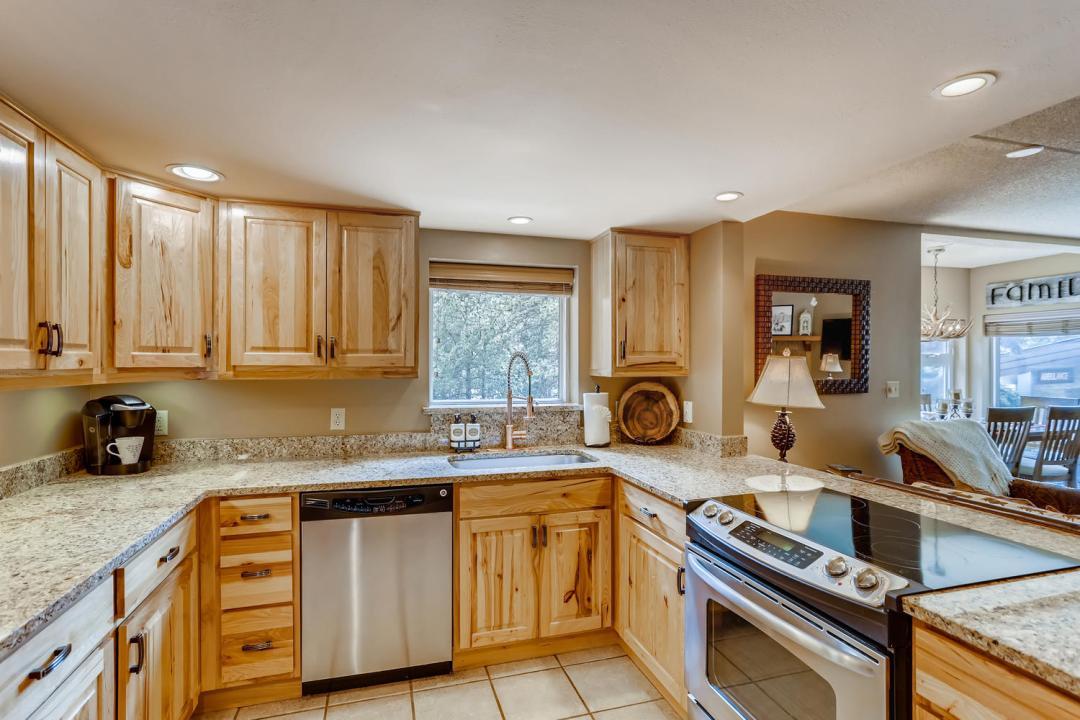 800 Copper Road Kitchen