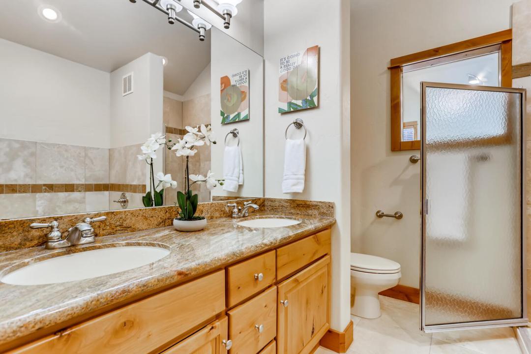 Wildernest Condo For Sale Bathroom