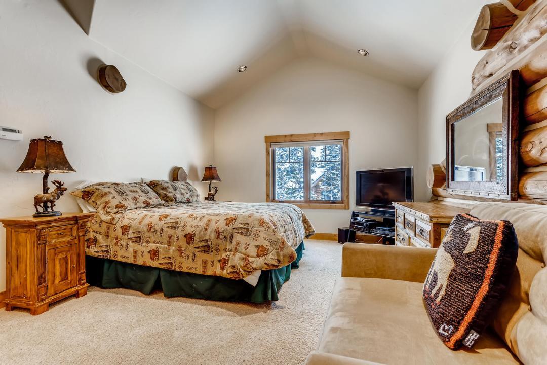 breckenridge home for sale master bedroom