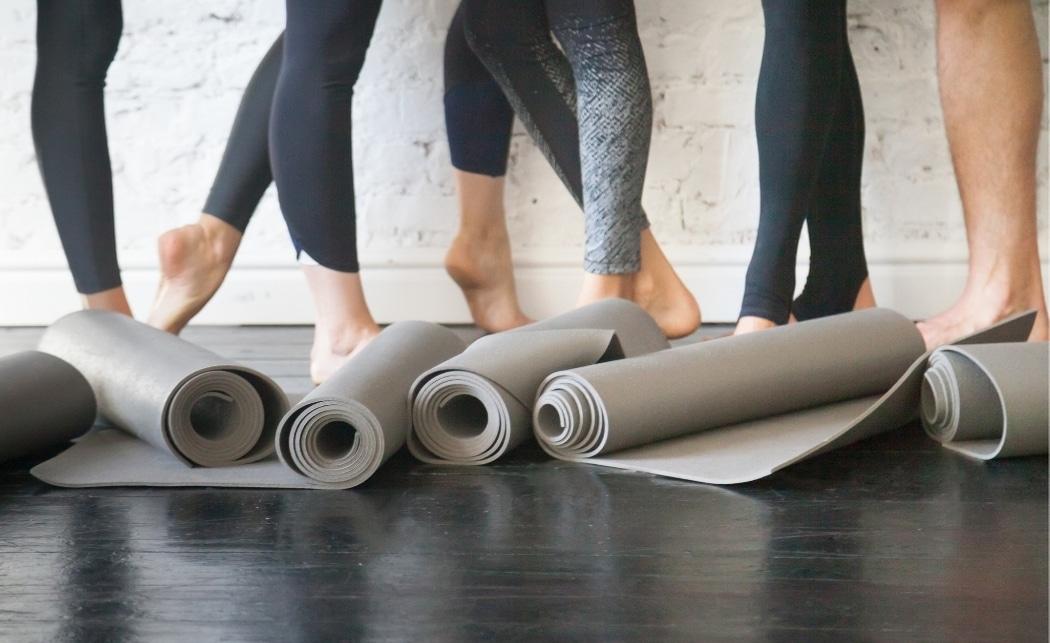 Power Yoga vs Yoga – How Do They Differ?