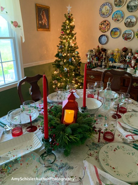 Dining Room Christmas 2019
