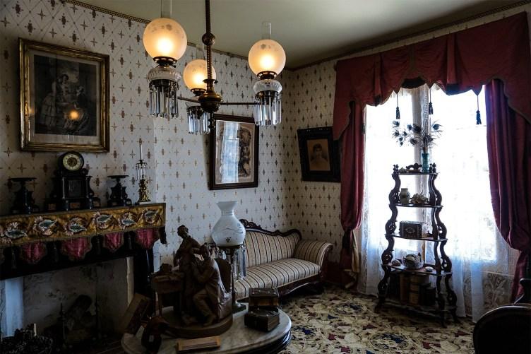 Výsledek obrázku pro whaley house historic interior