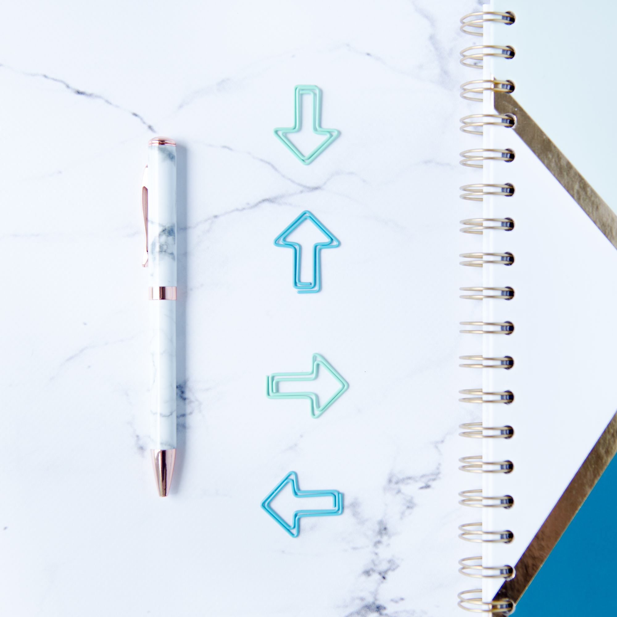 3 Ways To Arrange a Flat Lay Linear